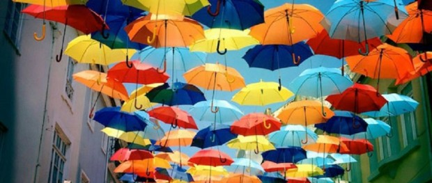 Fotografii-umbrele-Agueda-Portugalia01-940x400